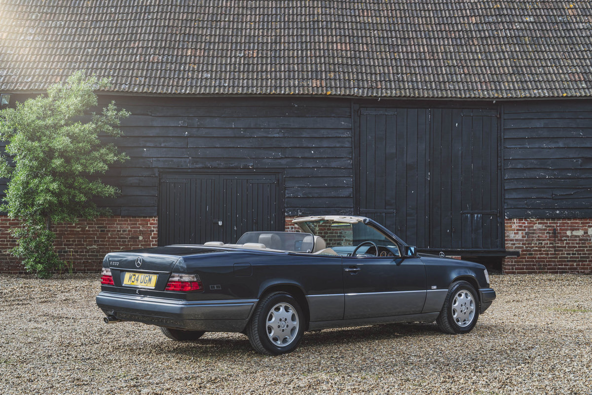 1994 Mercedes E220 Cabriolet For Sale (picture 2 of 6)