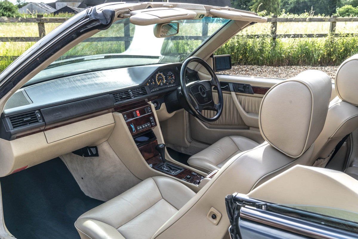 1994 Mercedes E220 Cabriolet For Sale (picture 4 of 6)