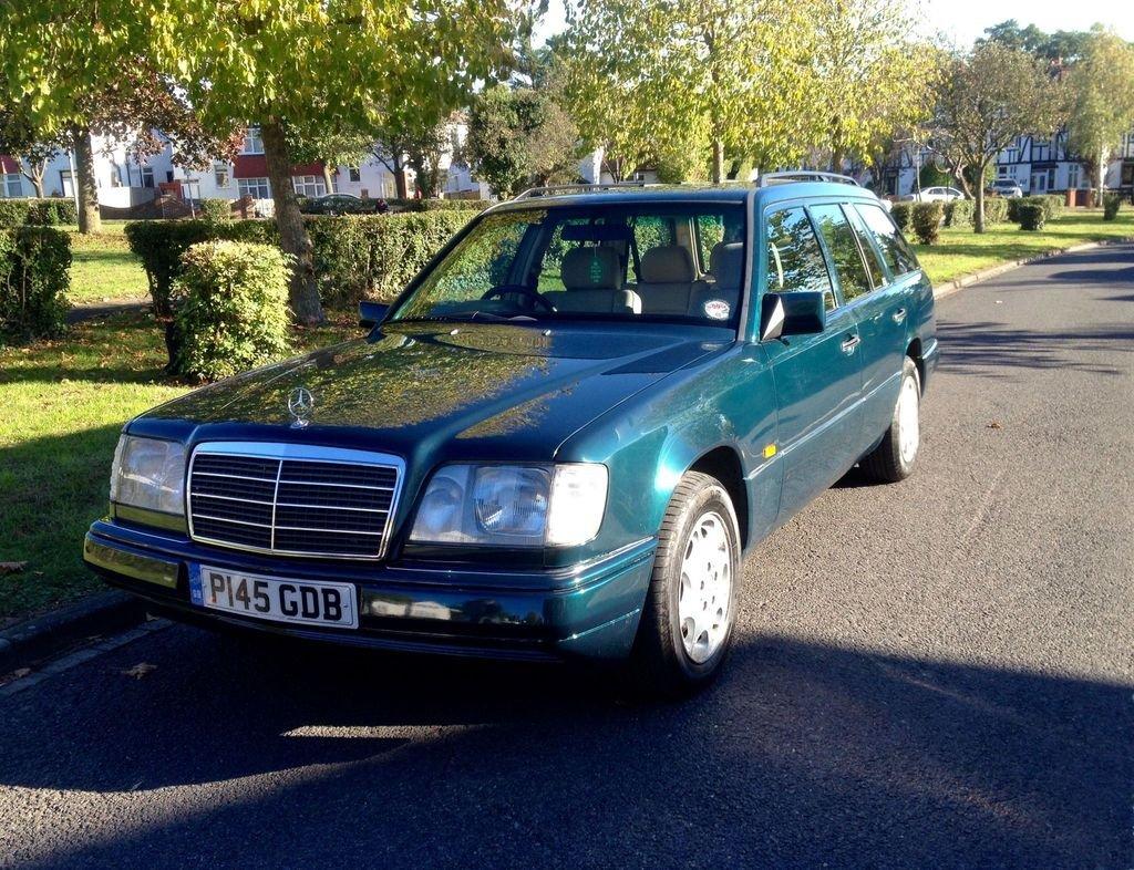 1996 Mercedes E200 Estate P reg 4dr For Sale (picture 1 of 6)