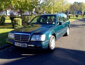 1996 Mercedes E200 Estate P reg 4dr For Sale
