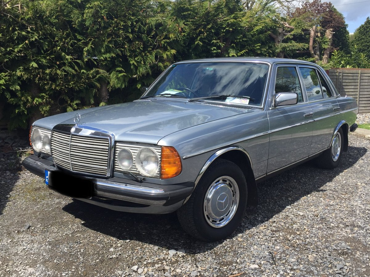 1982 Mercedies-Benz E230 Manual For Sale (picture 1 of 6)