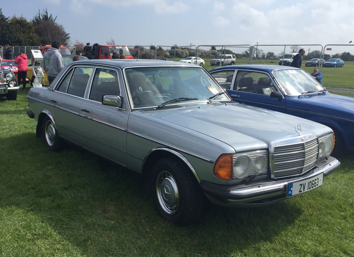 1982 Mercedies-Benz E230 Manual For Sale (picture 6 of 6)