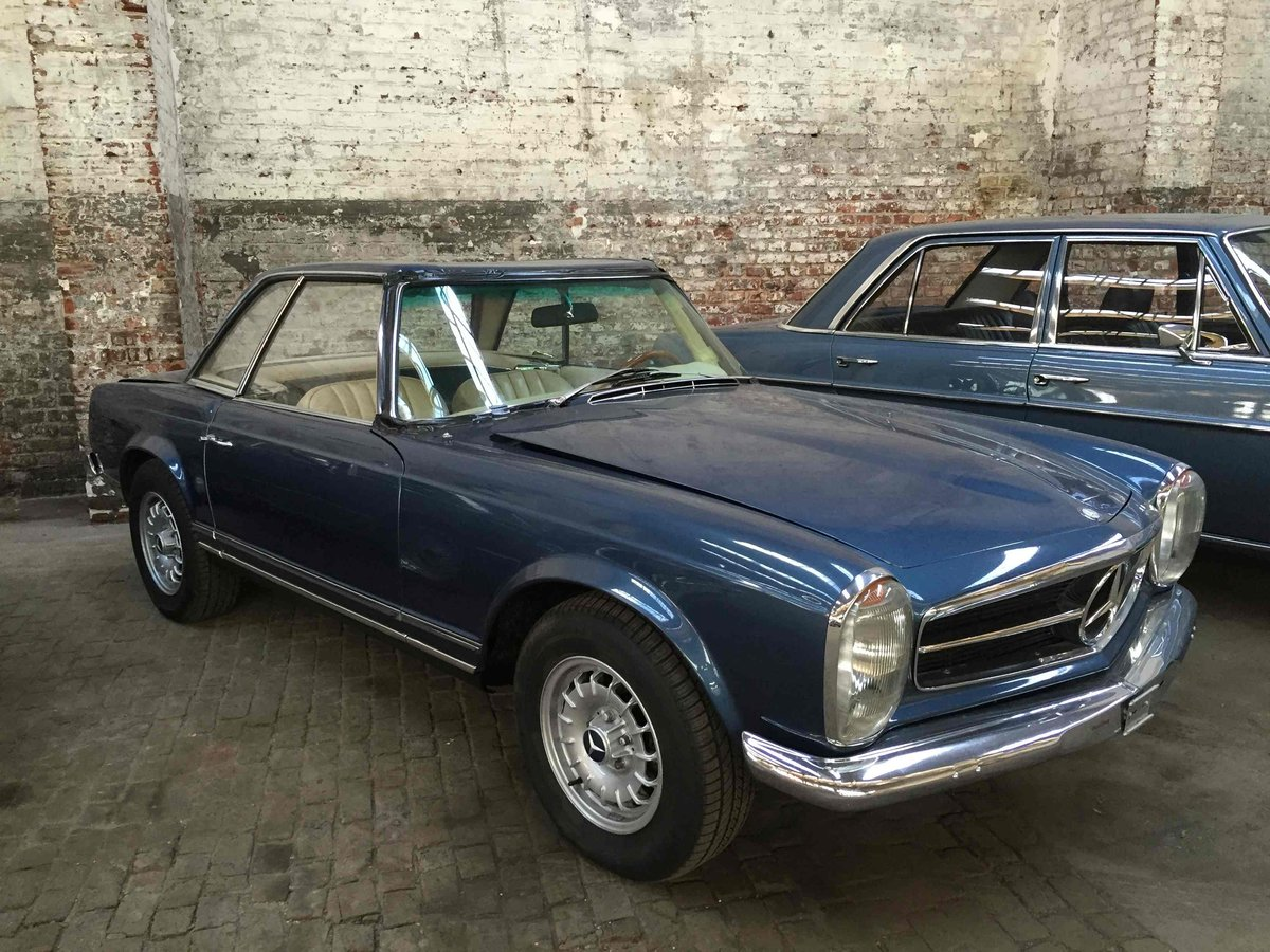 1969 Mercedes Benz 280 SL in restoration  For Sale (picture 1 of 6)