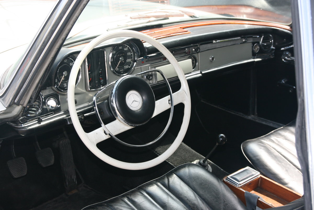 1966 Mercedes Benz 230 SL   5-speed gearbox ZF For Sale (picture 2 of 6)