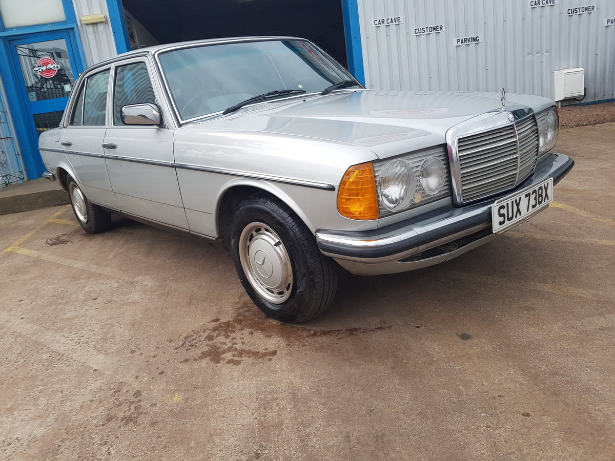 1982 Mercedes Benz 200 - 1 Owner 75k For Sale (picture 1 of 6)