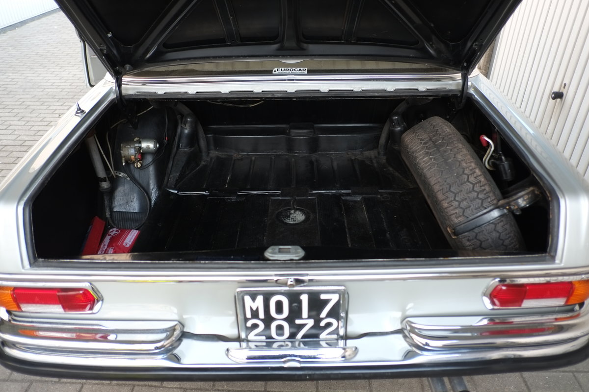 1968 Mercedes W108 280S Manual For Sale (picture 6 of 6)