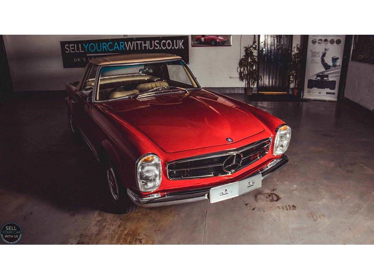 1967 Mercedes 250 SL PAGODA 2.5 2dr Convertiable Manual Petrol For Sale (picture 2 of 6)