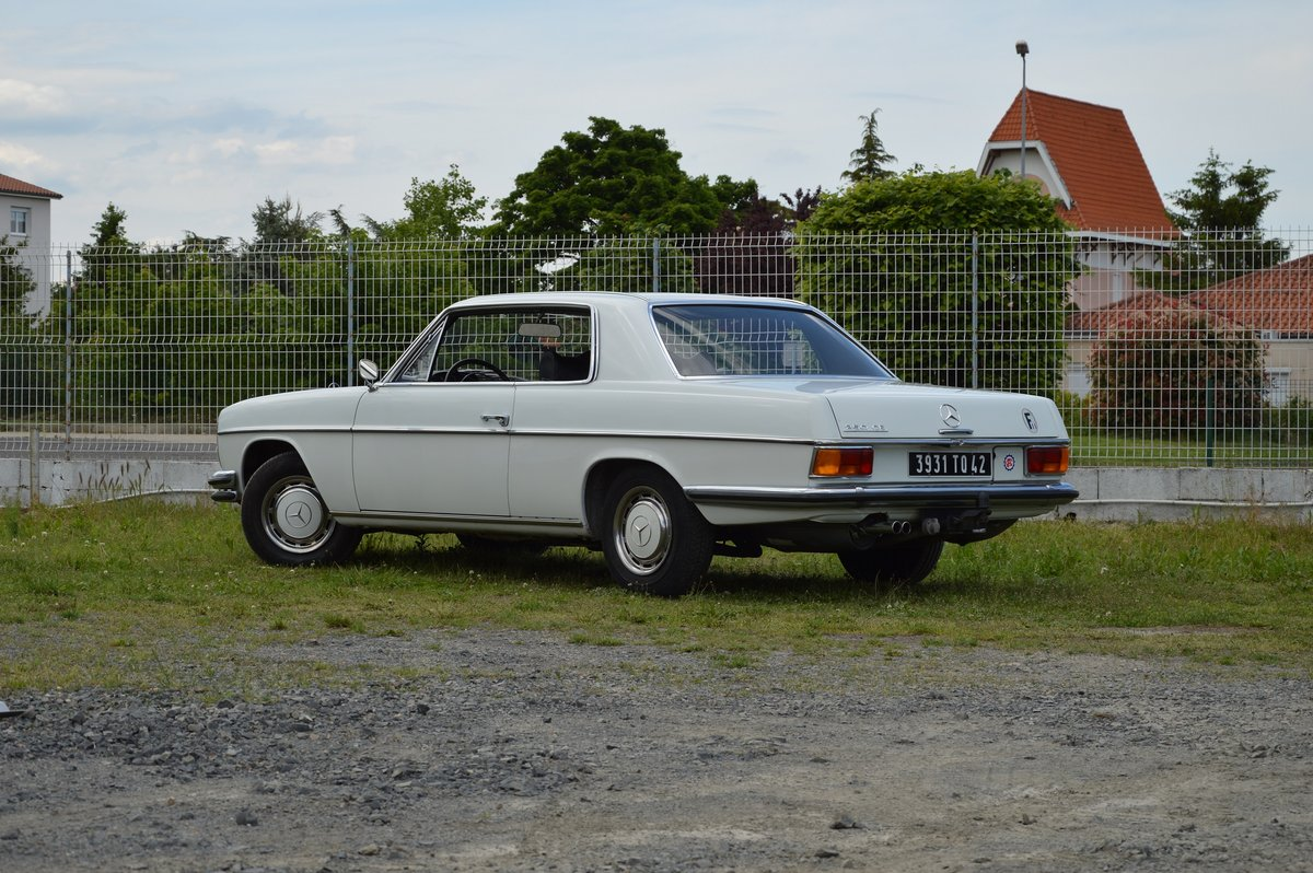 1969 – Mercedes 250 CE For Sale by Auction (picture 2 of 5)