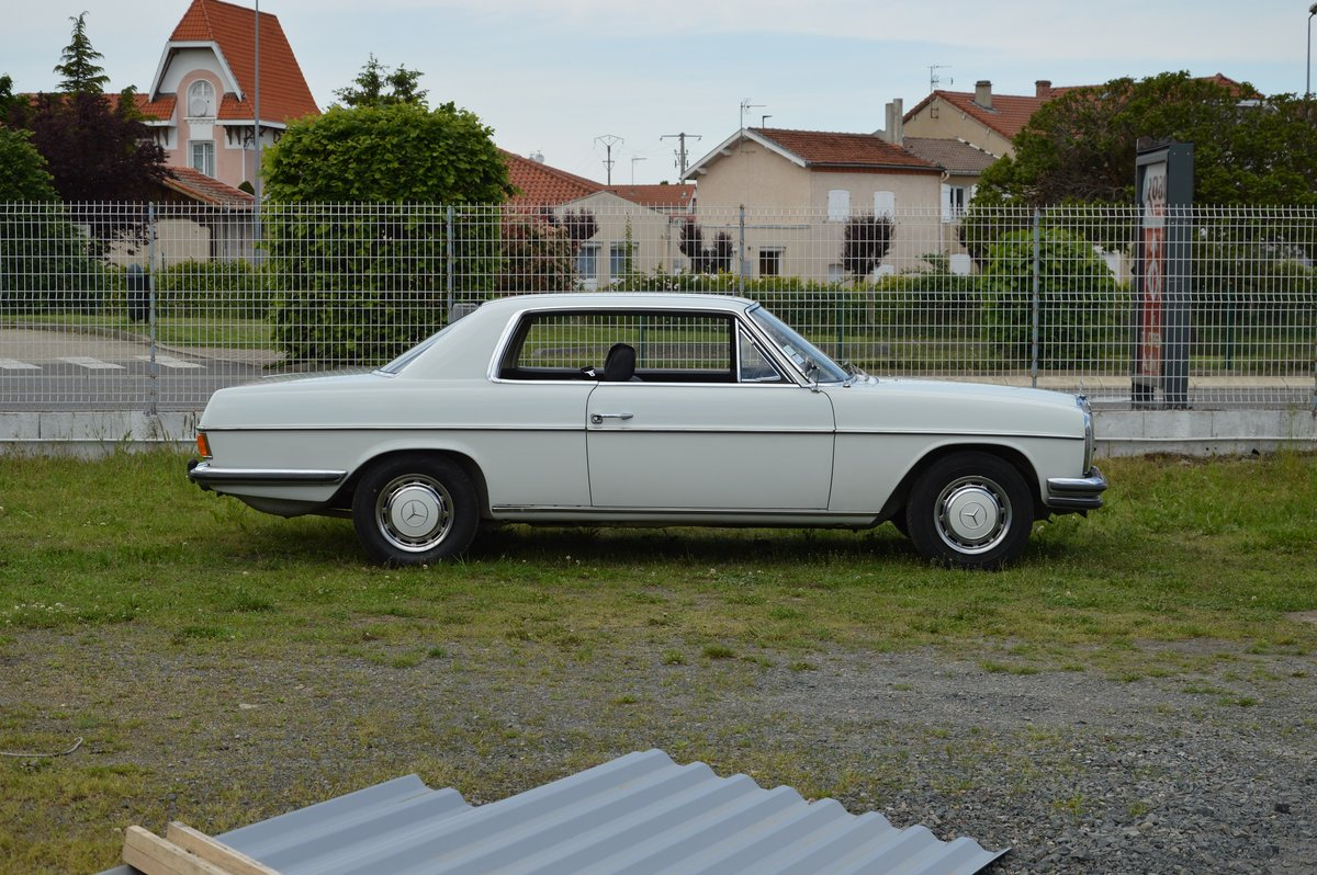 1969 – Mercedes 250 CE For Sale by Auction (picture 3 of 5)