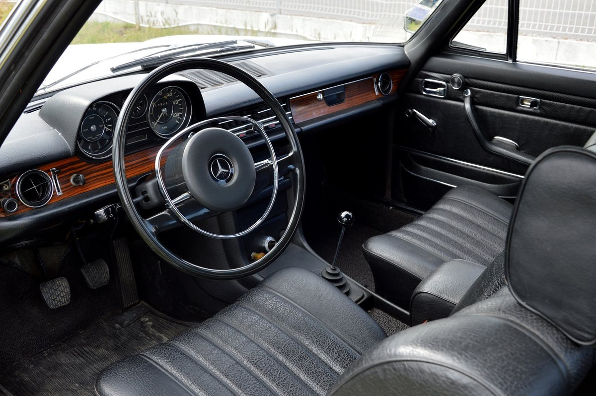 1969 – Mercedes 250 CE For Sale by Auction (picture 4 of 5)