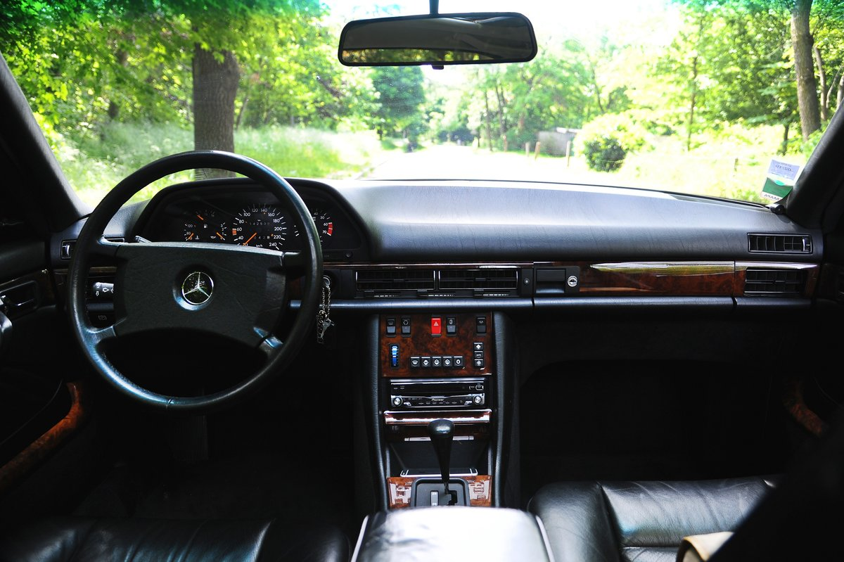 1990 – Mercedes 500 SEC SOLD by Auction (picture 4 of 5)