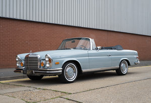 1971 Mercedes Benz 280SE 3.5 Cabriolet For Sale in London For Sale