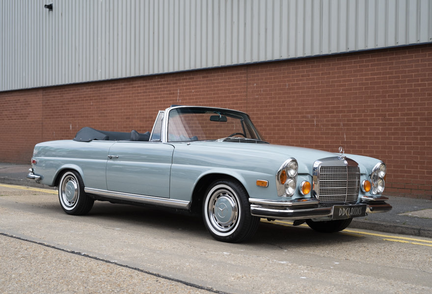 1971 Mercedes Benz 280SE 3.5 Cabriolet For Sale in London For Sale (picture 2 of 12)