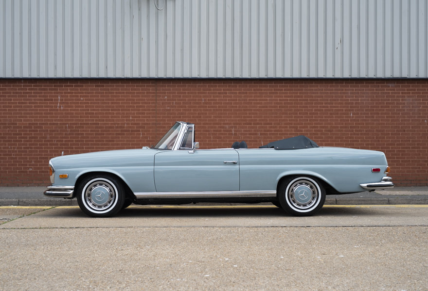 1971 Mercedes Benz 280SE 3.5 Cabriolet For Sale in London For Sale (picture 6 of 12)