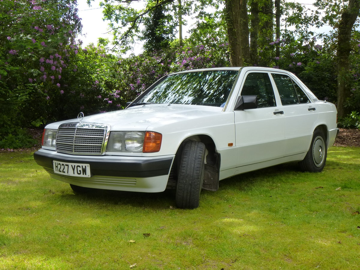 1990 Mercedes 190E 2.0  5 speed manual For Sale (picture 1 of 5)