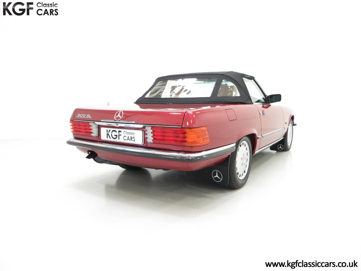 1989 A Mercedes-Benz 300SL R107 with Just 8,983 Miles from New SOLD (picture 5 of 6)