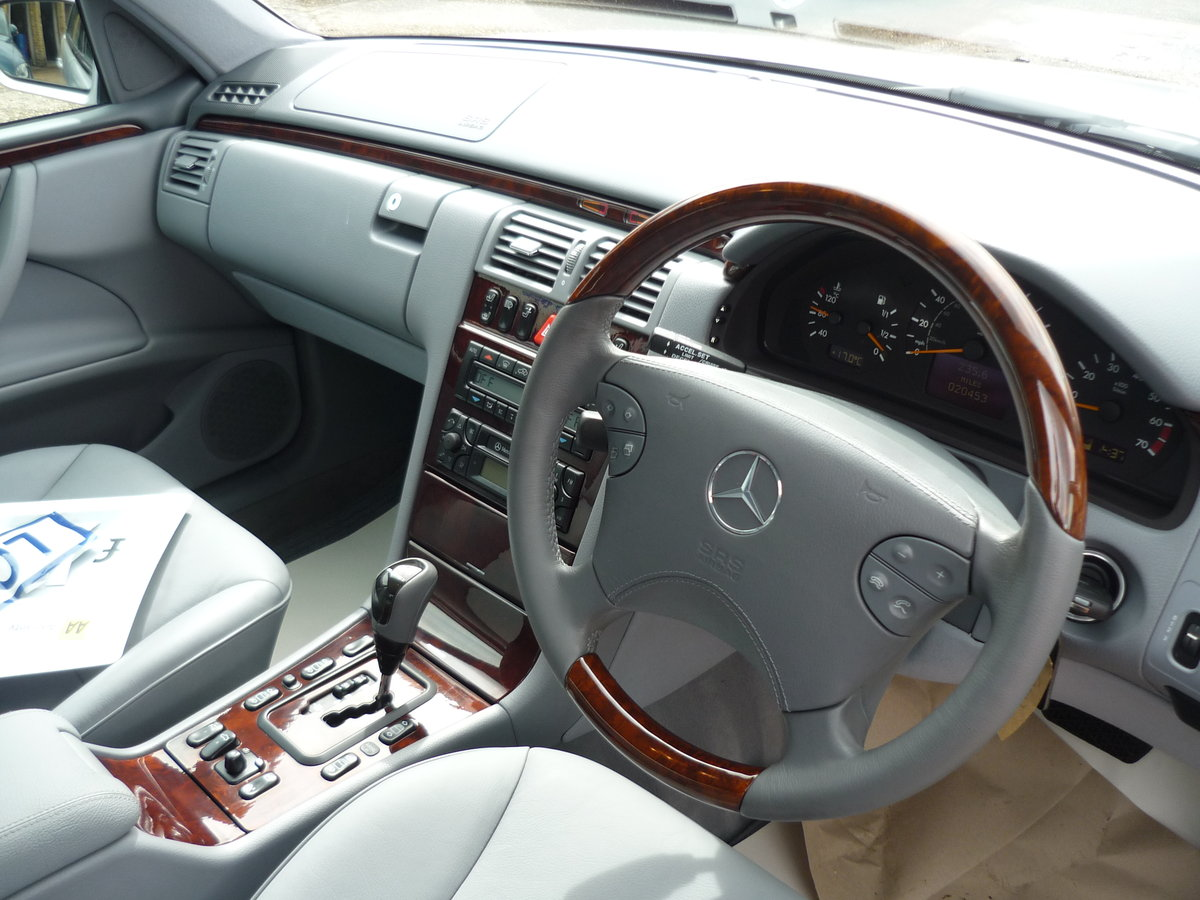 2001 E Class 2.6 V6  E240 Elegance 4dr JUST 20,000 MILES  For Sale (picture 5 of 6)