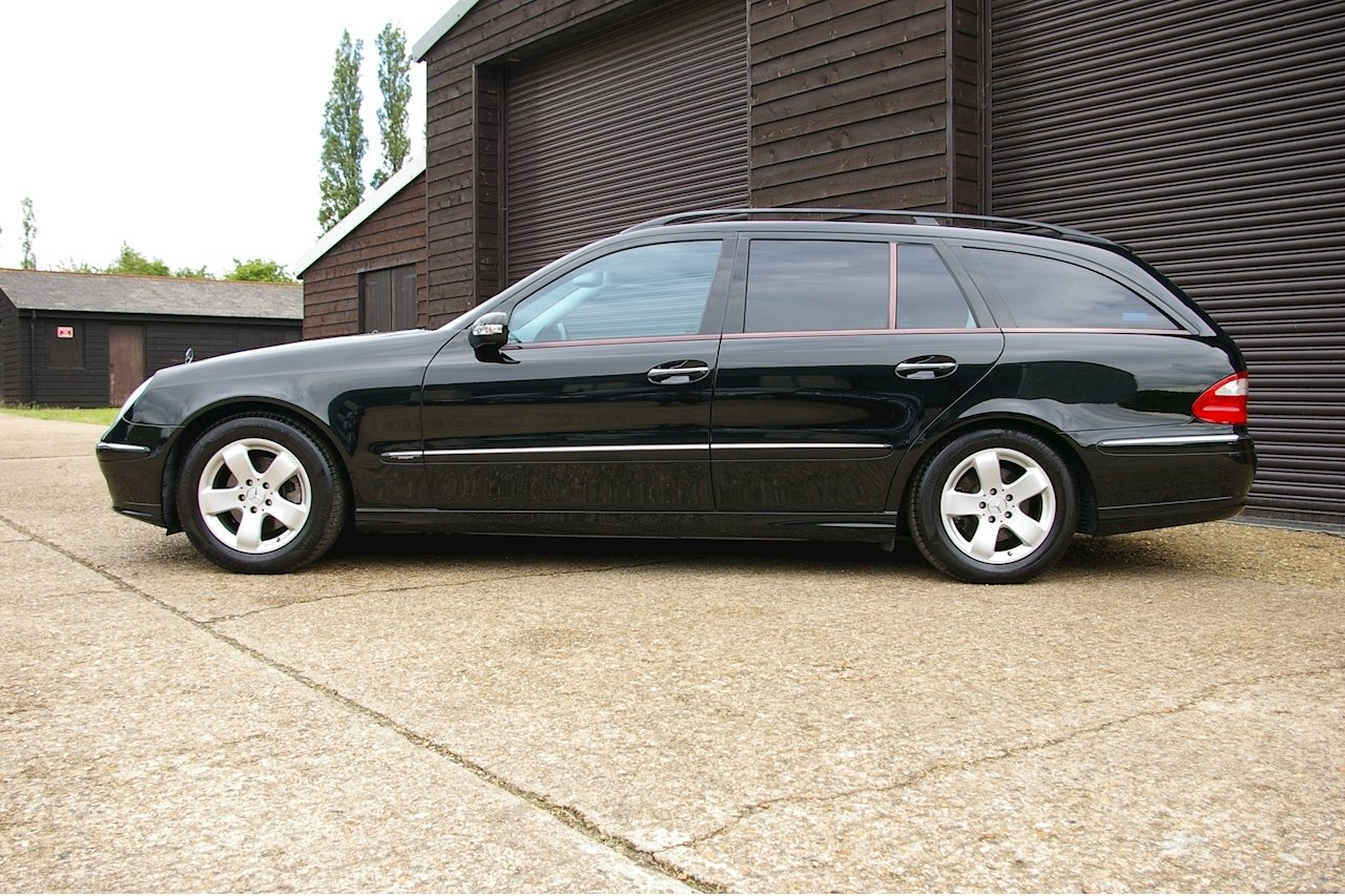 2004 Mercedes-Benz E320 Avantgarde Estate Auto (16,719 miles) SOLD (picture 2 of 6)