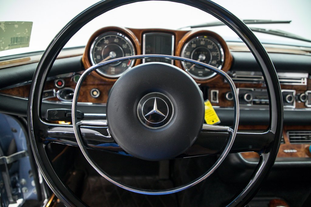 1970 Mercedes 280SE 3.5 Coupe low 7.5k miles Auto Blue $99.5 For Sale (picture 4 of 6)