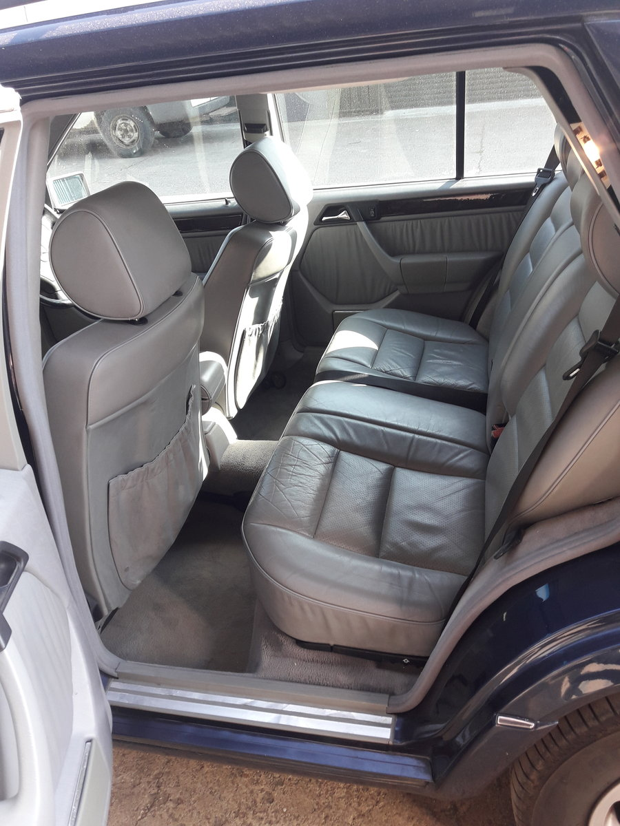 2011 Mercedes 7seater rare manual For Sale (picture 6 of 6)