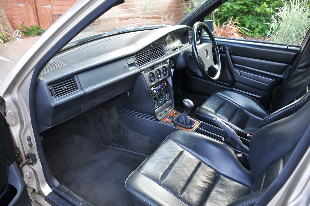 1986 Mercedes 190 2.3 Cosworth manual For Sale (picture 4 of 6)