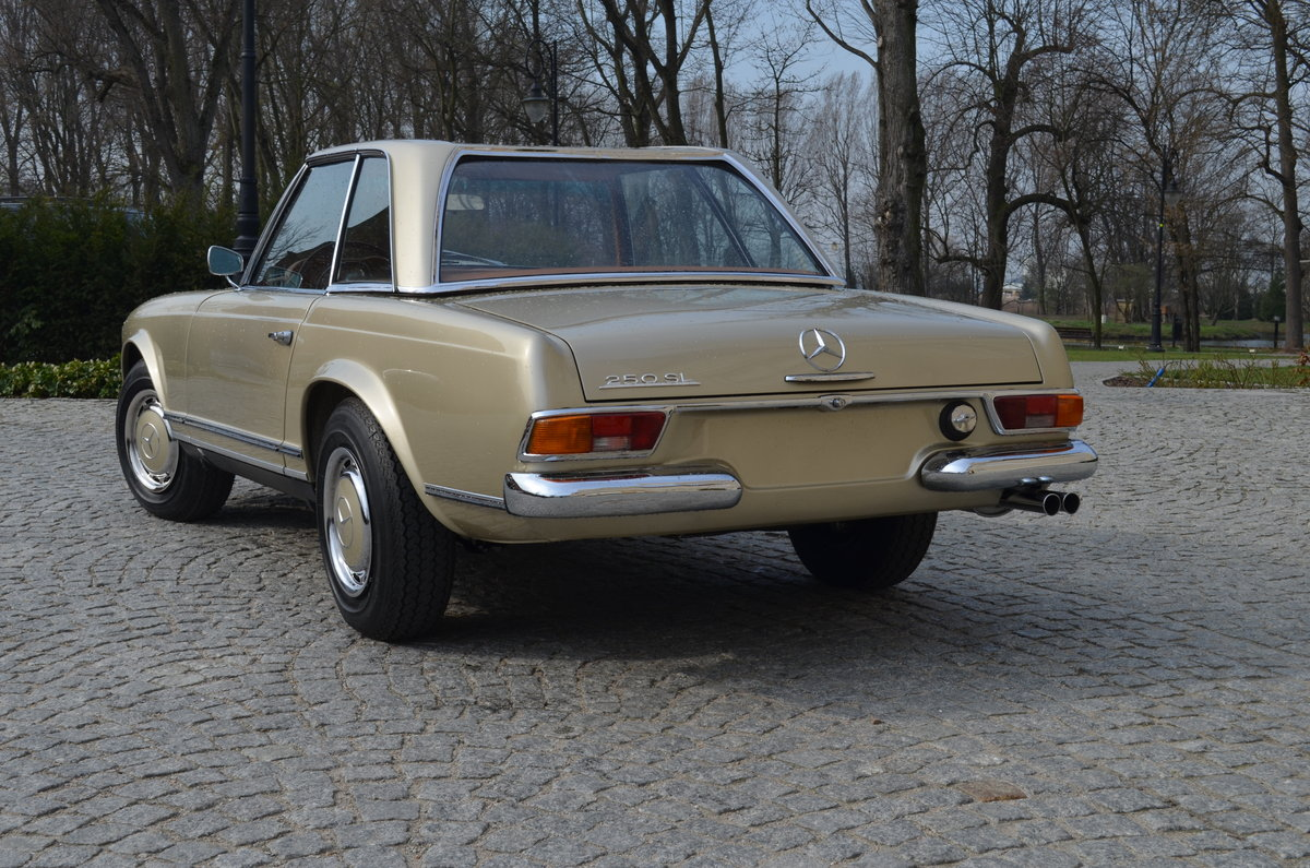 1967 Mercedes 250SL Pagoda Frame Off restored For Sale (picture 2 of 6)