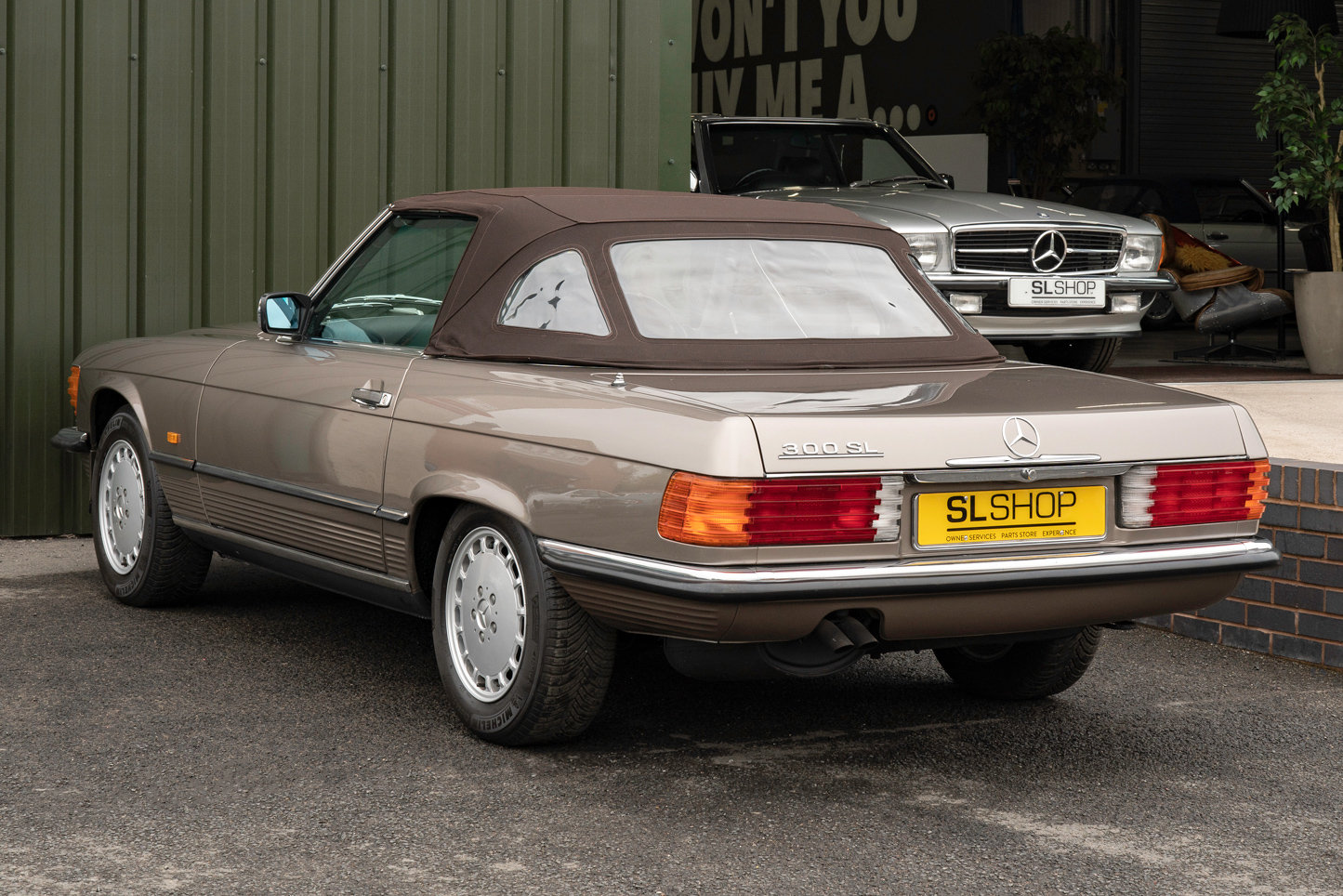 1987 Mercedes-Benz R107 300SL Impala Brown #2121 For Sale (picture 3 of 6)