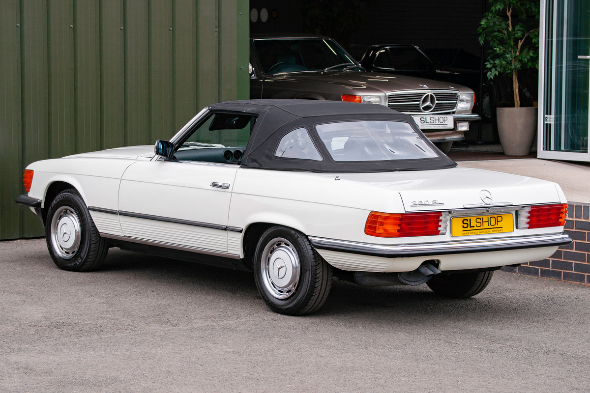 1984 Mercedes-Benz R107 280SL Classic White with Black #2074 For Sale (picture 3 of 6)