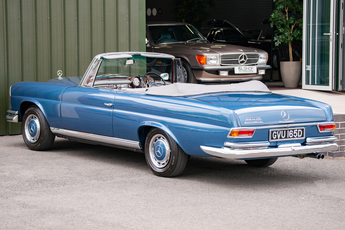 1966 Mercedes-Benz W111 280SE Cabriolet #2122 Restored, BEAUTIFUL For Sale (picture 2 of 6)