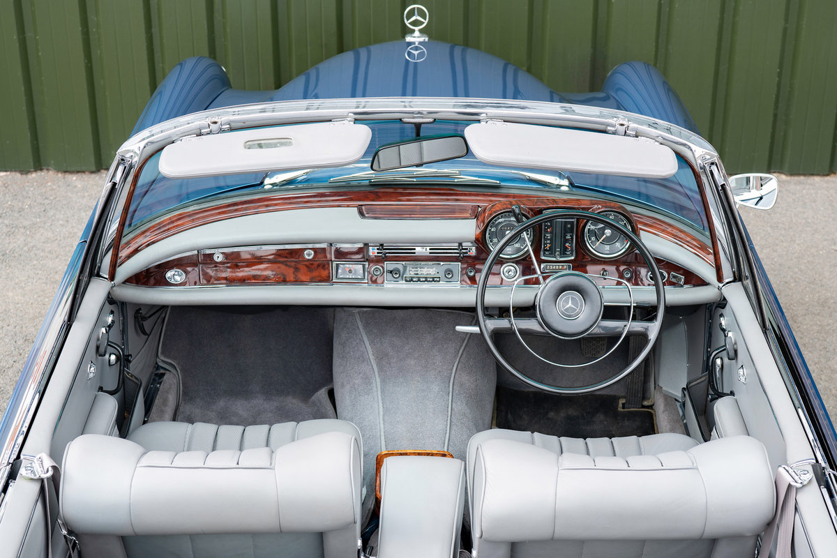 1966 Mercedes-Benz W111 280 SE Cabriolet #2122 For Sale (picture 3 of 6)