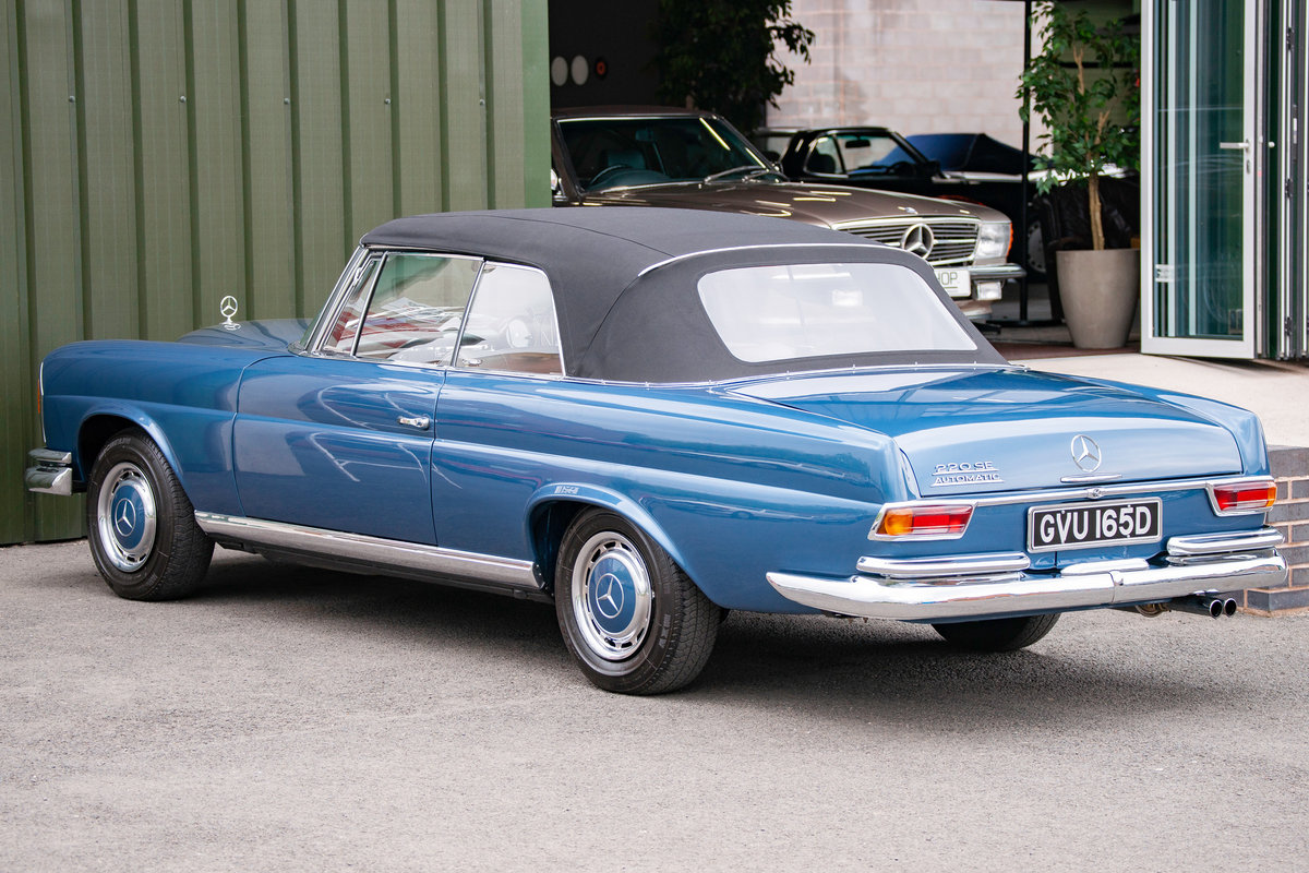 1966 Mercedes-Benz W111 280SE Cabriolet #2122 Restored, BEAUTIFUL For Sale (picture 4 of 6)