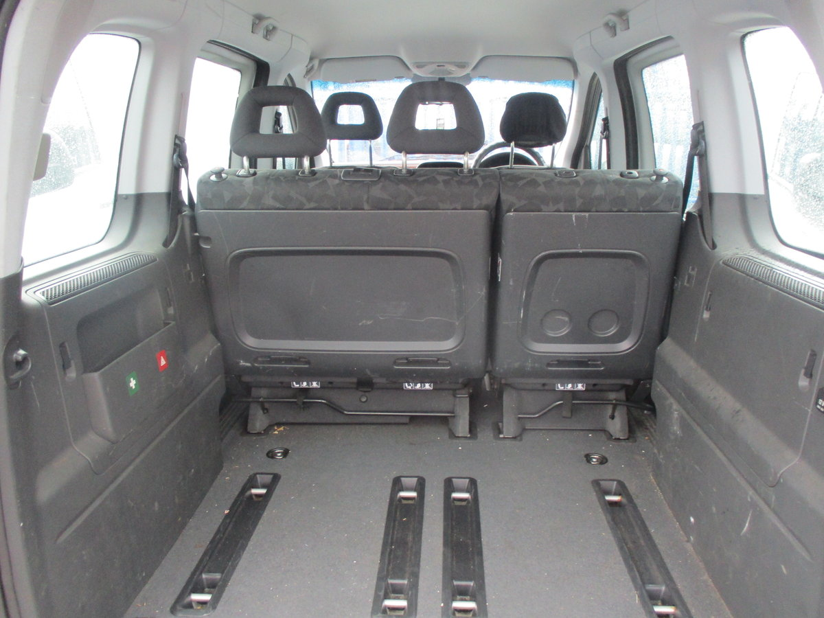 2004 VANEO MPV WITH TWIN SIDE DOORS JUST 50,000 MILES NEW MOT For Sale (picture 2 of 6)