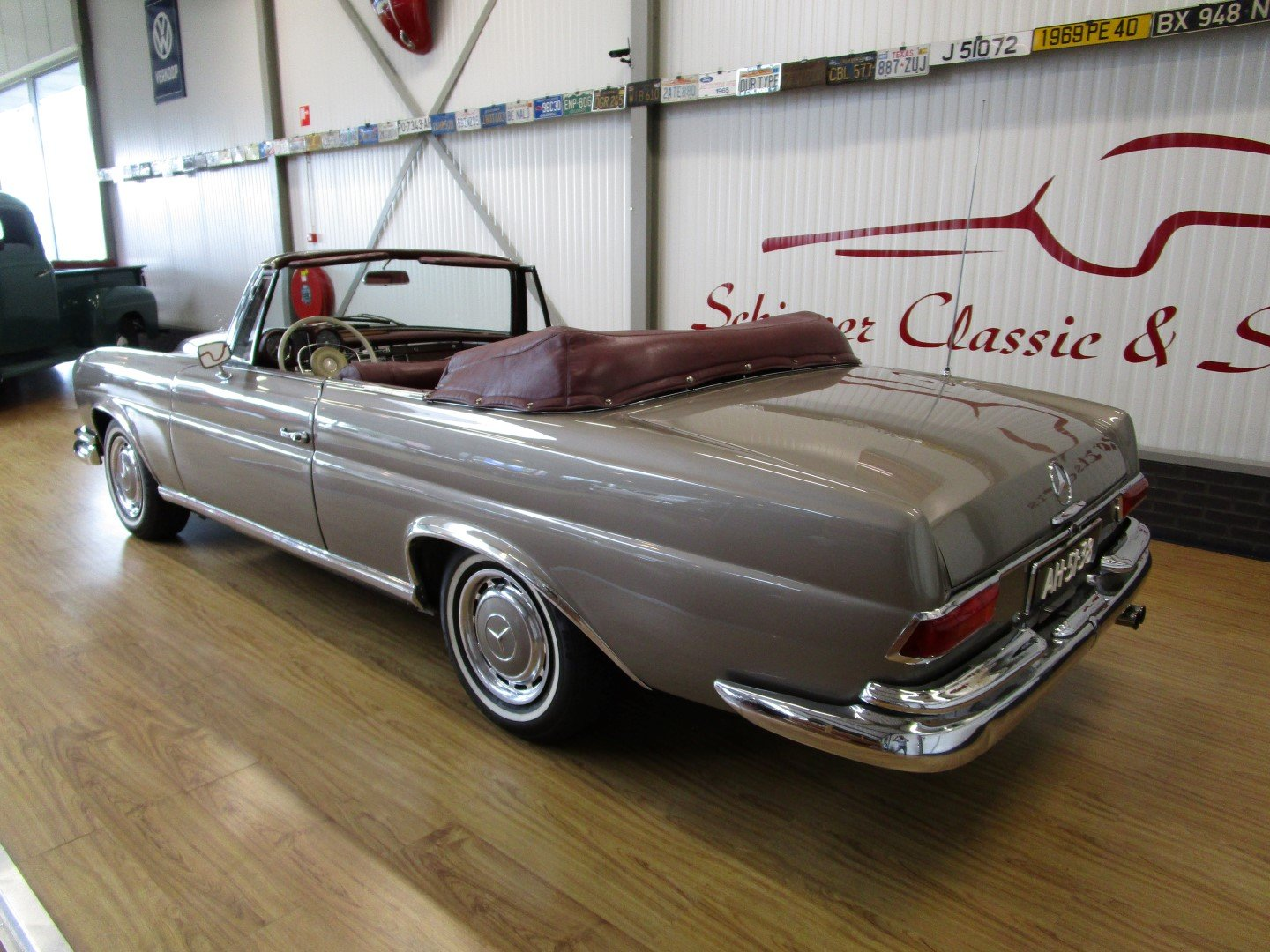 1968 Mercedes 250SE Cabrio W111 Werkscabriolet For Sale (picture 3 of 6)
