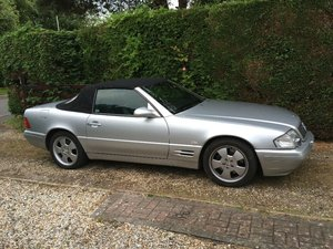 1999 Mercedes SL 320 v6 R129 Sports Convertible.