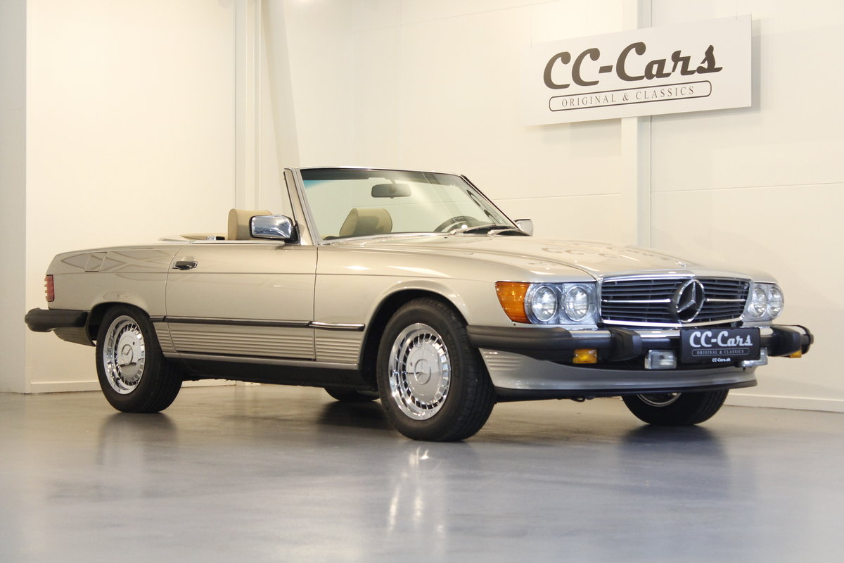 1987 Mercedes 560 SL Convertible Automatic For Sale (picture 1 of 6)