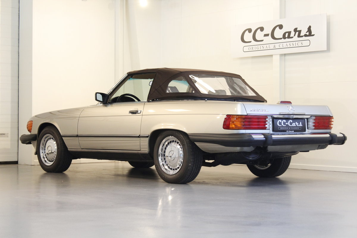 1987 Mercedes 560 SL Convertible Automatic For Sale (picture 2 of 6)