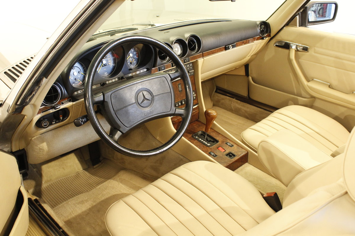 1987 Mercedes 560 SL Convertible Automatic For Sale (picture 4 of 6)