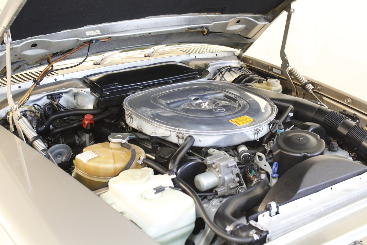 1987 Mercedes 560 SL Convertible Automatic For Sale (picture 6 of 6)