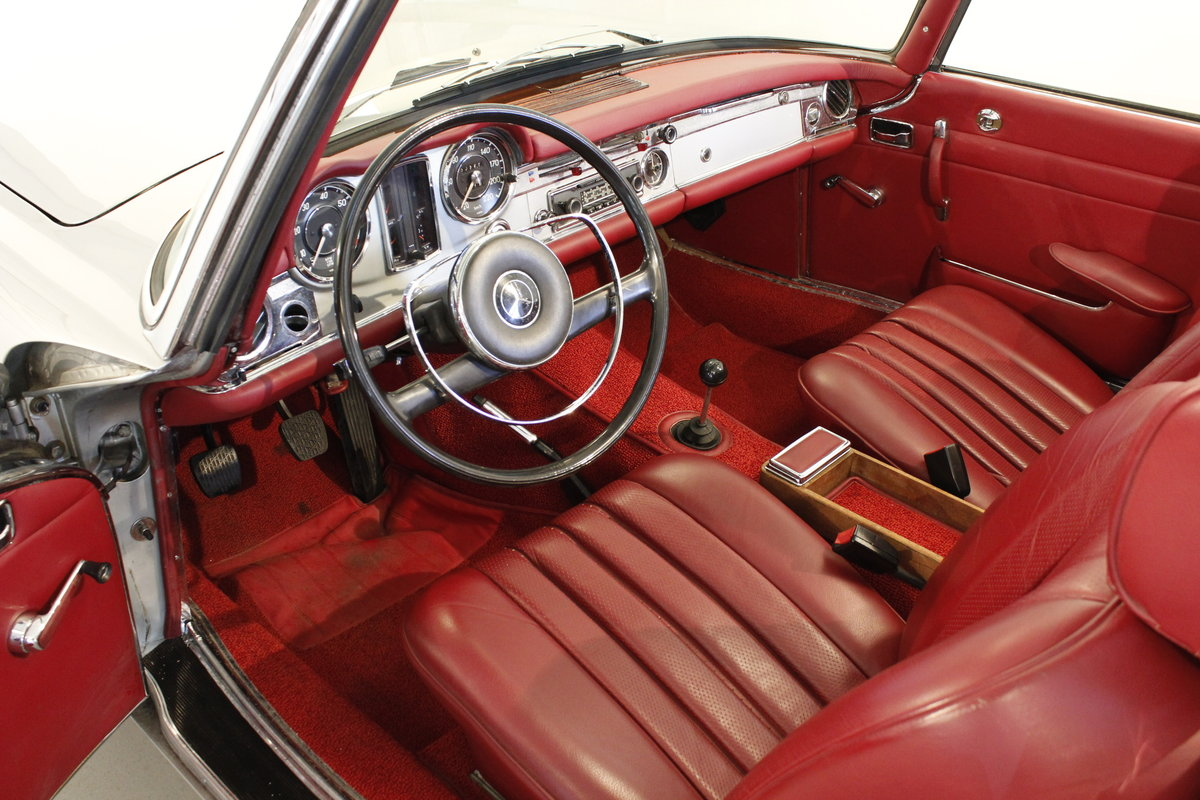 1966 Mercedes 230 SL Pagoda - Manual gear For Sale (picture 4 of 6)