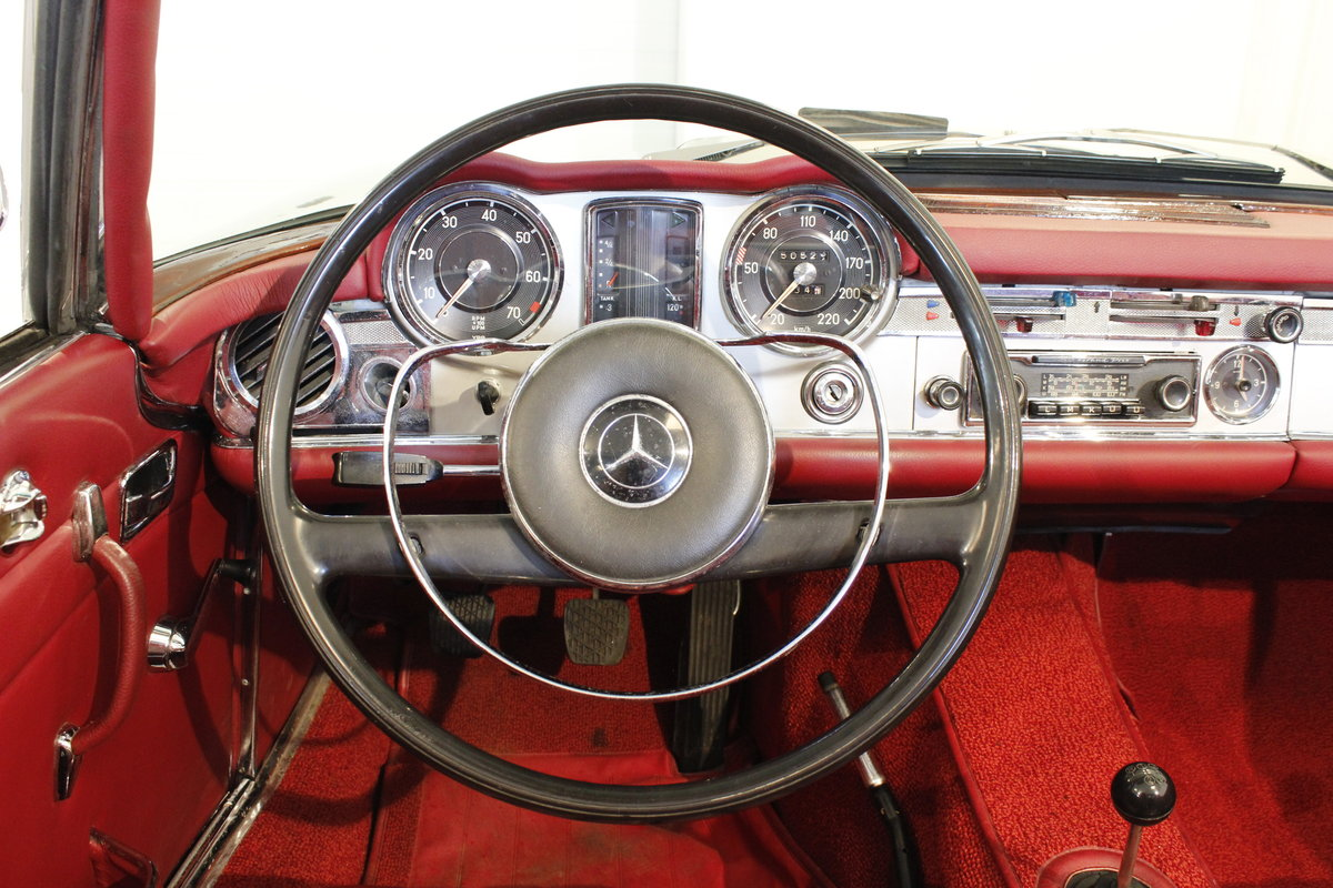1966 Mercedes 230 SL Pagoda - Manual gear For Sale (picture 5 of 6)