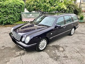 Mercedes Benz - S210 E320 Avantgarde - 1999 For Sale