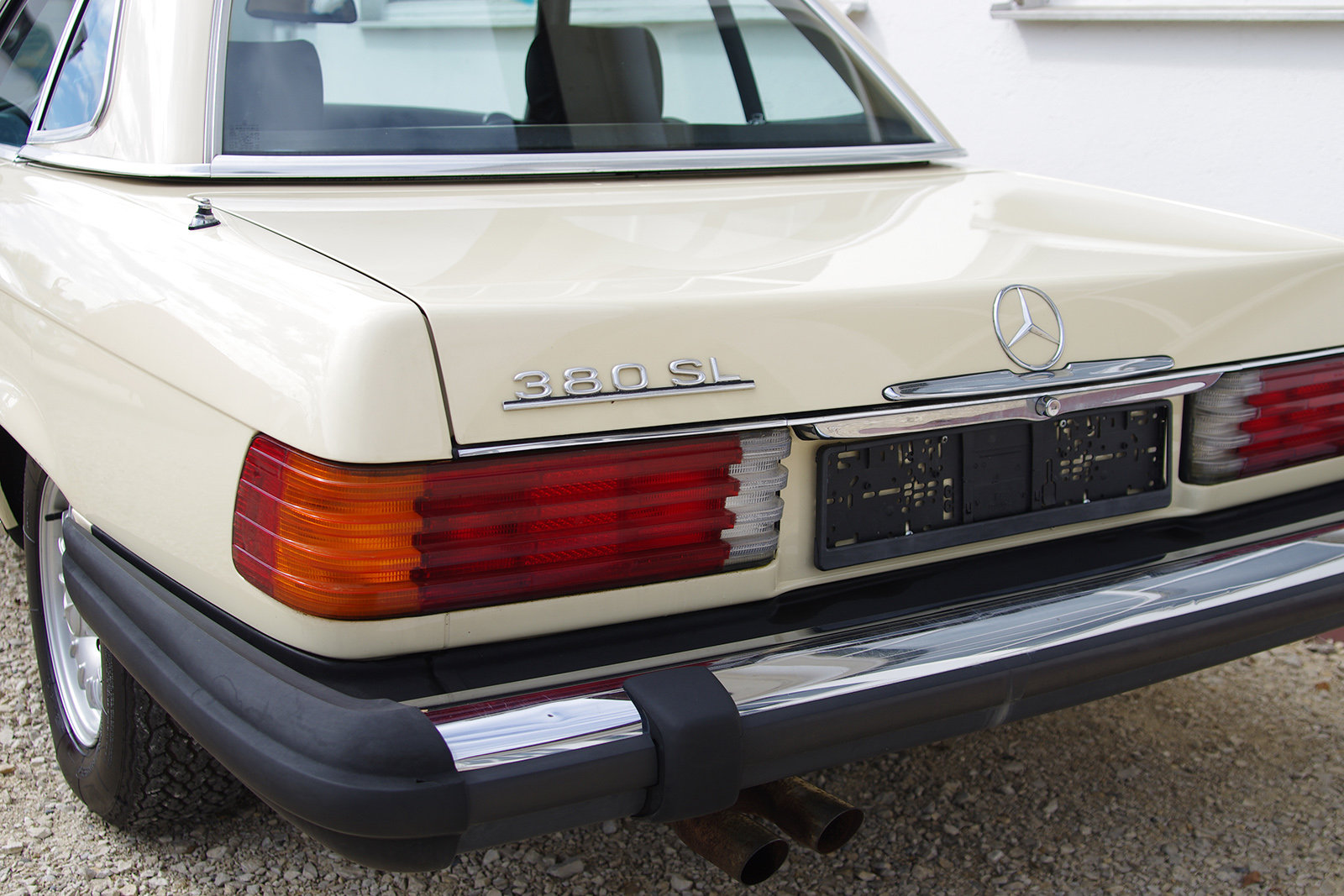 1982 Mercedes-Benz 380 SL - R 107 - partially restored SOLD (picture 2 of 6)
