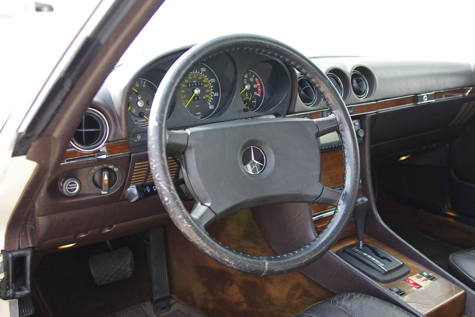 1982 Mercedes-Benz 380 SL - R 107 - partially restored SOLD (picture 3 of 6)
