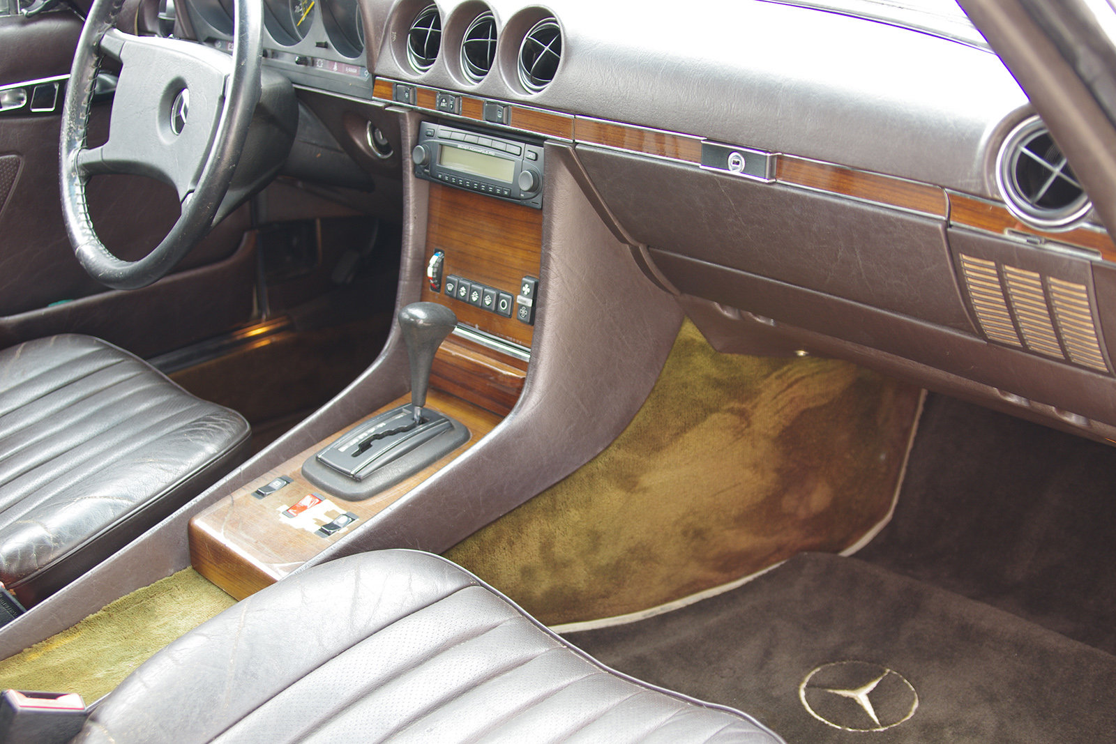 1982 Mercedes-Benz 380 SL - R 107 - partially restored SOLD (picture 4 of 6)