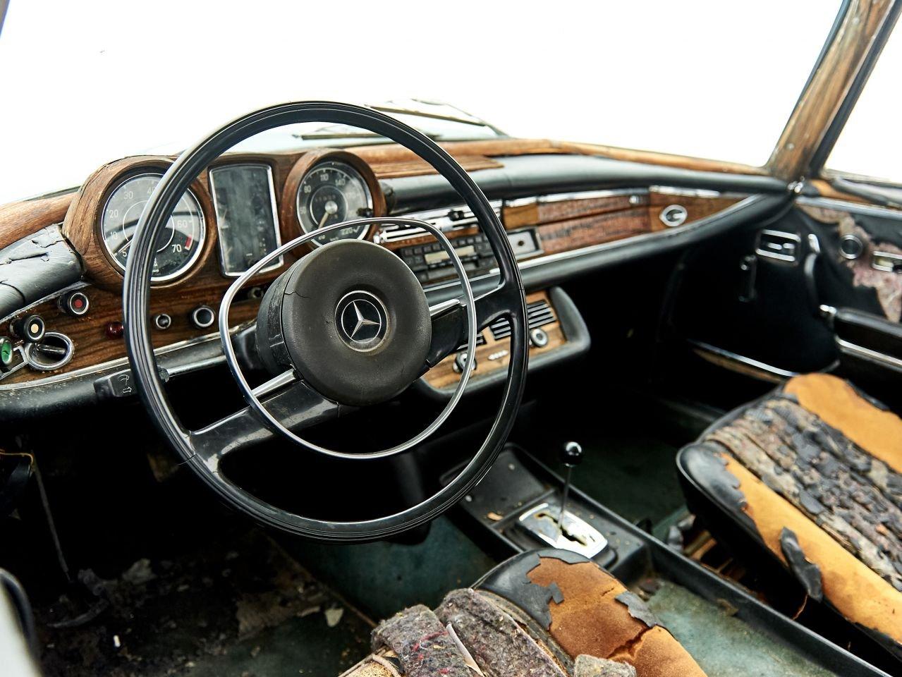 1970 MERCEDES 280SE 3.5 V8 For Sale (picture 5 of 6)