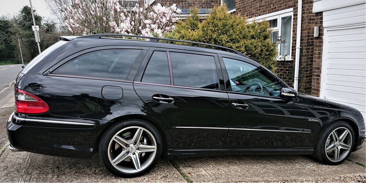 2008 Stunning and Rare Mercedes E63 AMG For Sale (picture 2 of 5)