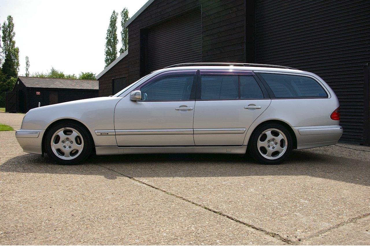 2000 Mercedes-Benz W210 E320 Avantgarde Estate Auto (16560 miles) For Sale (picture 2 of 6)