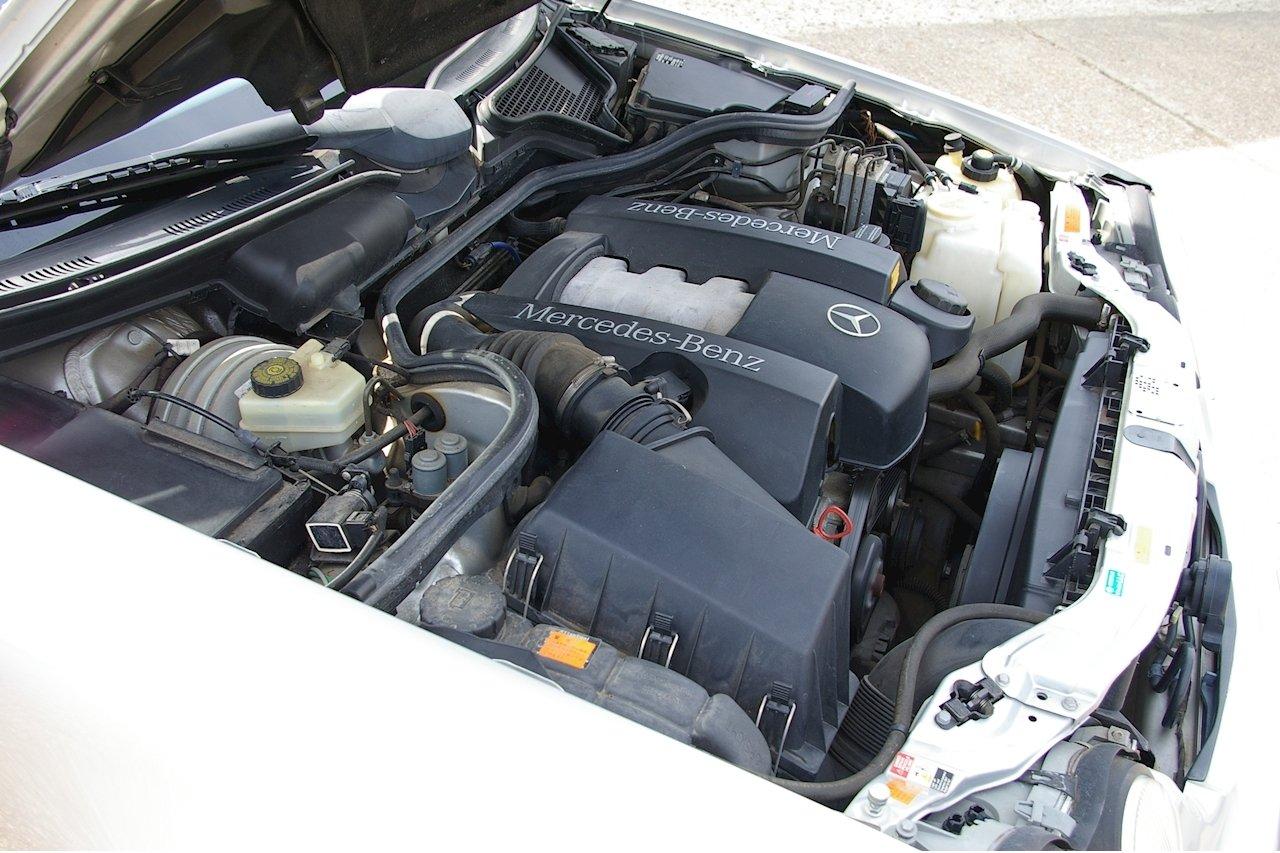 2000 Mercedes-Benz W210 E320 Avantgarde Estate Auto (16560 miles) For Sale (picture 6 of 6)