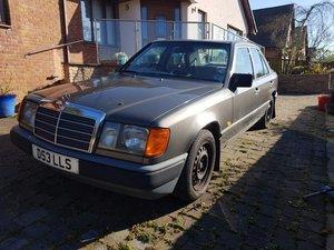 W124 230E Mercedes 1987 For Sale