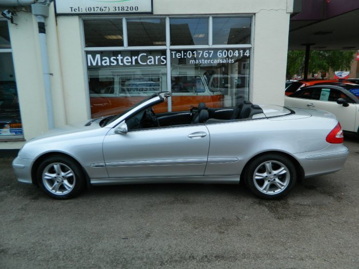 2005/55 Mercedes CLK320 Avantgarde 3.2 Auto Cab 69378 mls For Sale (picture 2 of 6)